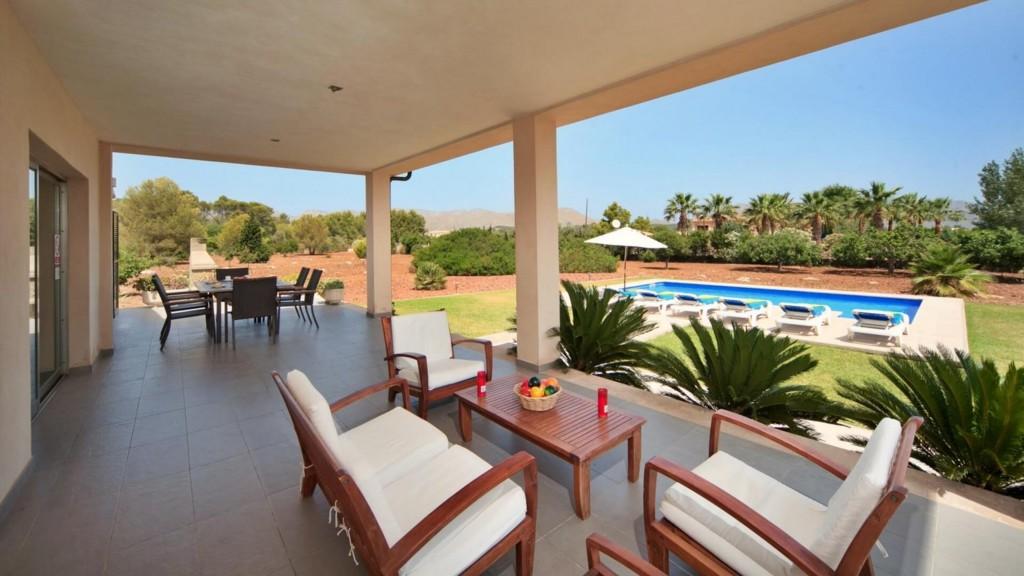 Villa Embat